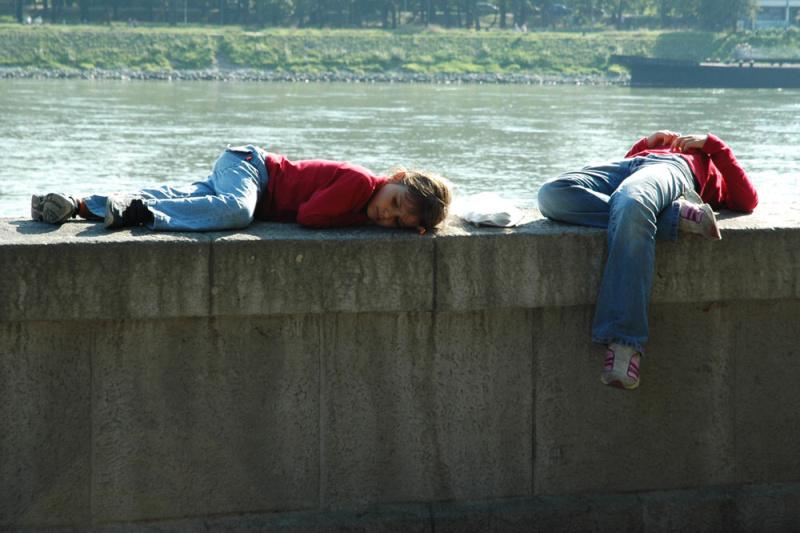 oddych na brehu rieky